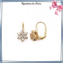 Boucles d'oreilles pendantes fleur blanche plaqué or