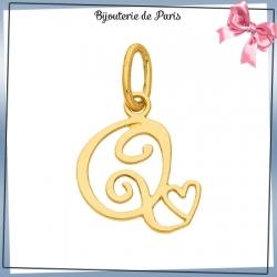 Pendentif initiale Q et coeur or 18 carats