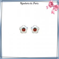 Boucles d'oreilles coccinelles et fleur nacre or 18 carats jaune
